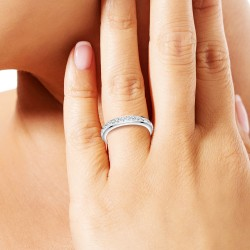 Silver BR01 ring adorned...