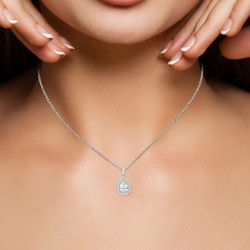 Drop necklace by BR01...