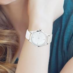 Reloj Elya adornado con...