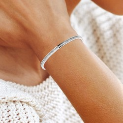 Bracelet BR01 adorned with...