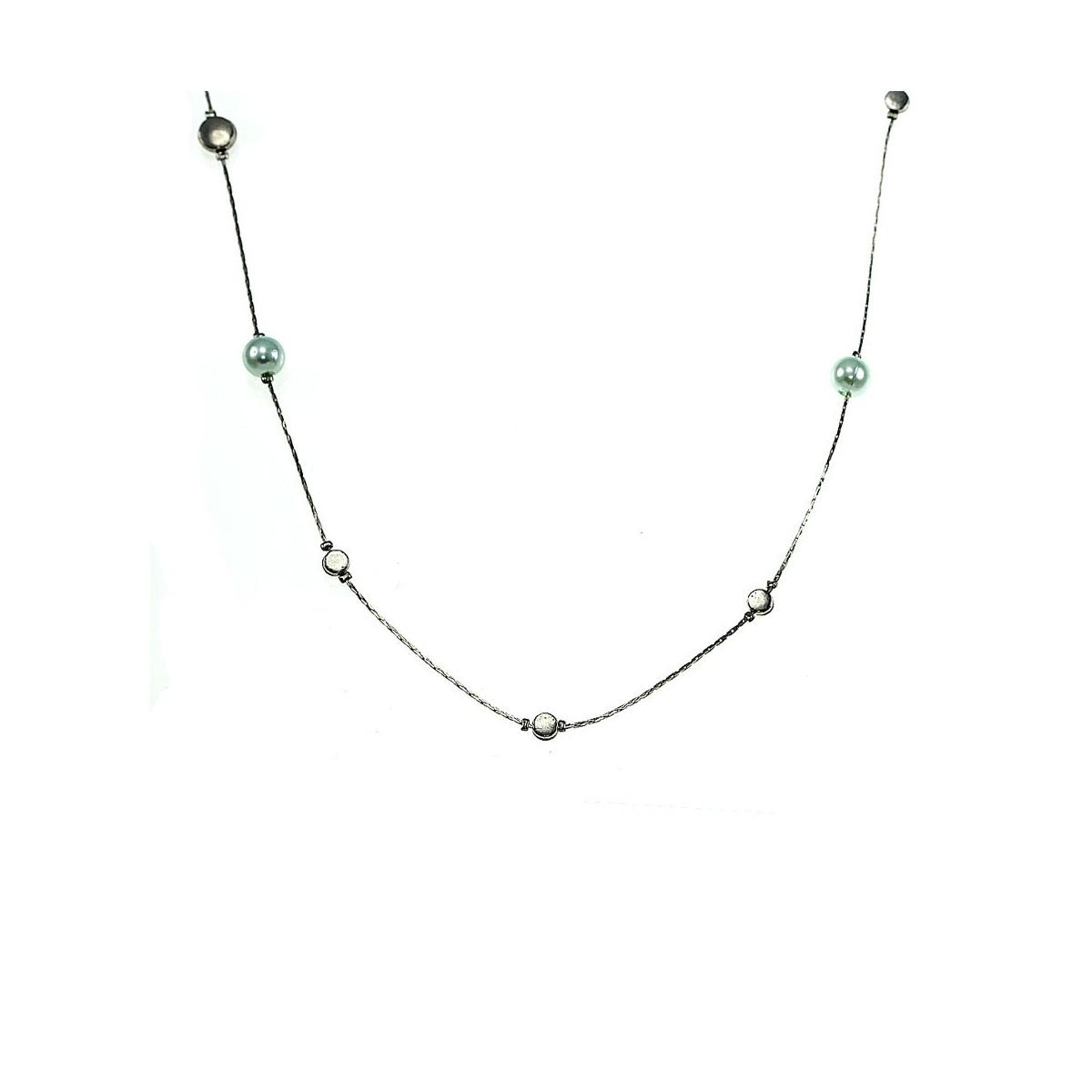 Collier argenté et perles