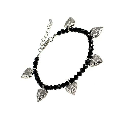 Bracelet noir et coeurs